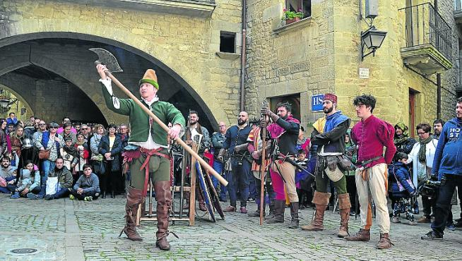 Exhibición de armas medievales en Sos del Rey Católico