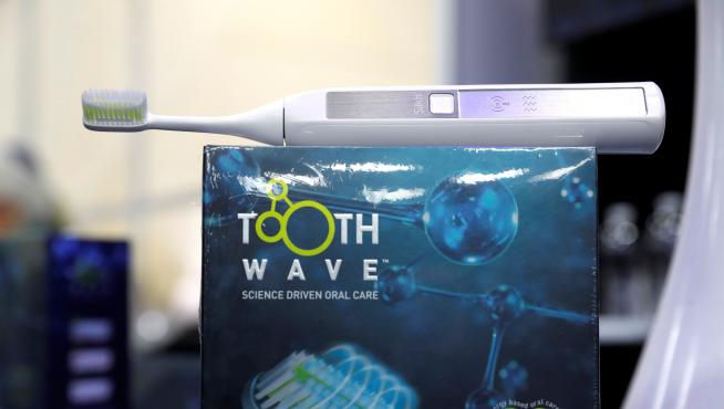A Toothwave toothbrush(33464008)
