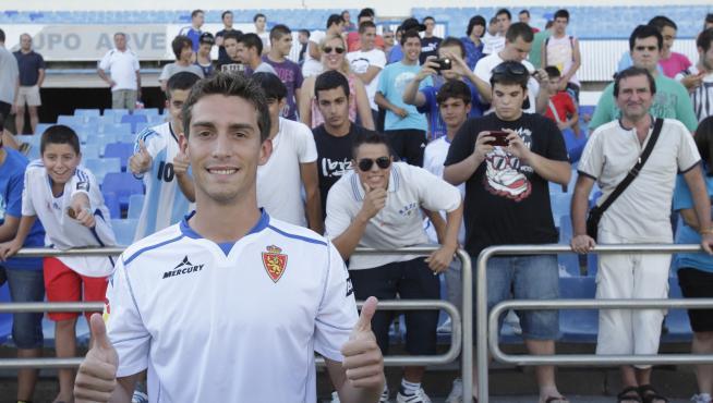 Lucas Porcar, durante su presentación con el Real Zaragoza.