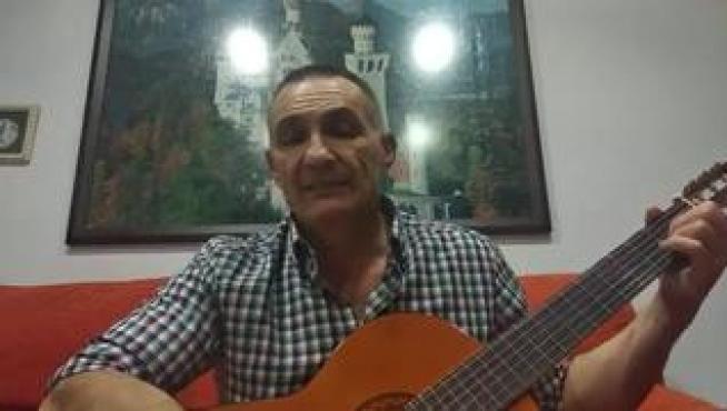Toño Sánchez, de Gurrea de Gállego, ha compuesto una canción para los niños en estos días de encierro. La canción se titula 'La tormenta pasará' y la ha subido a Youtube