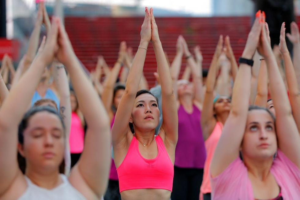 Fotos: Los 'yoguis' del mundo se reúnen en Nueva York para ...