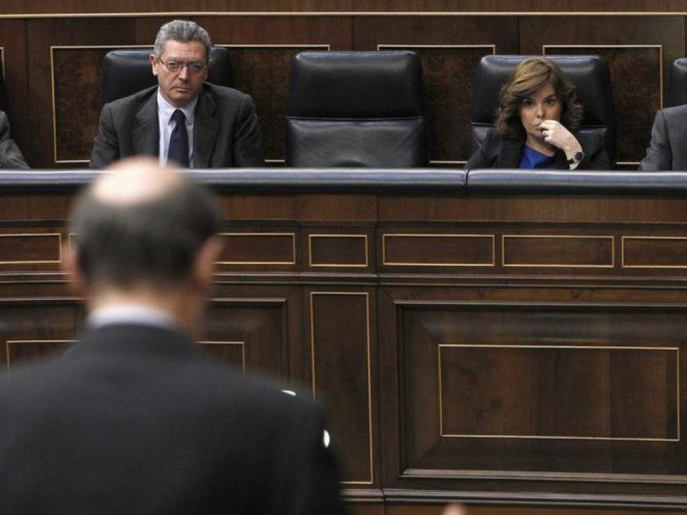 Rubalcaba habla en la primera sesión de control al Gobierno de Rajoy