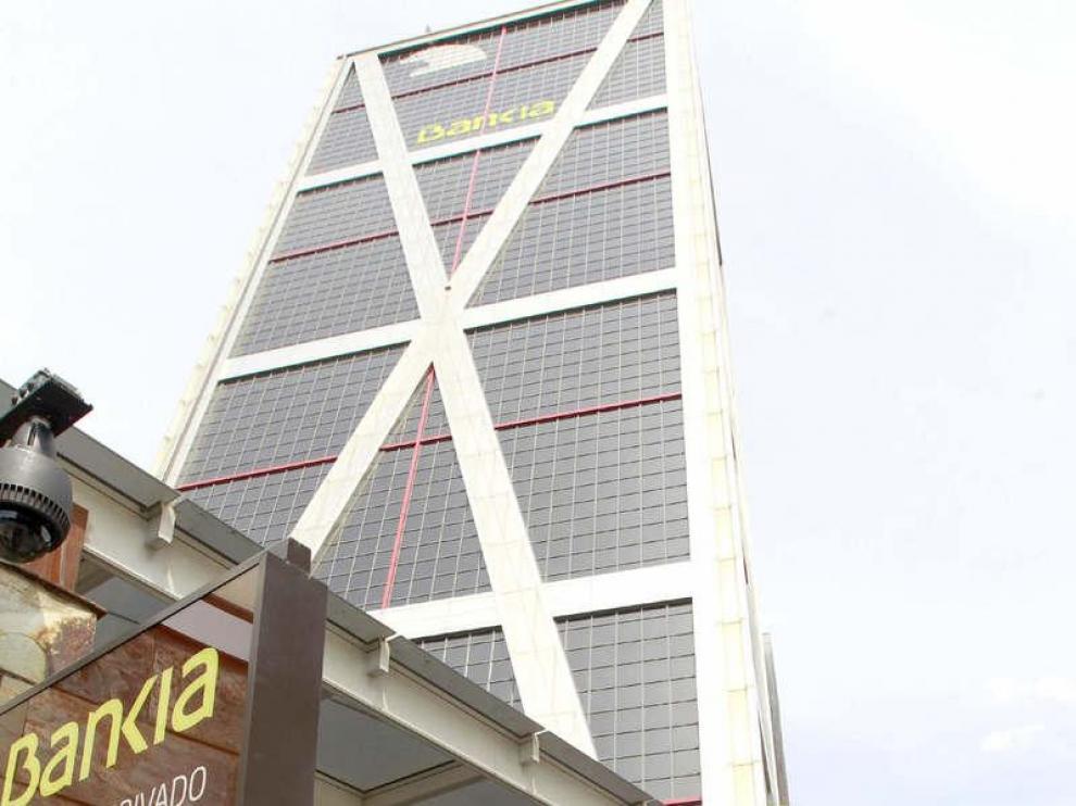 Llegada a la sede de Bankia de uno de los miembros del consejo de administración