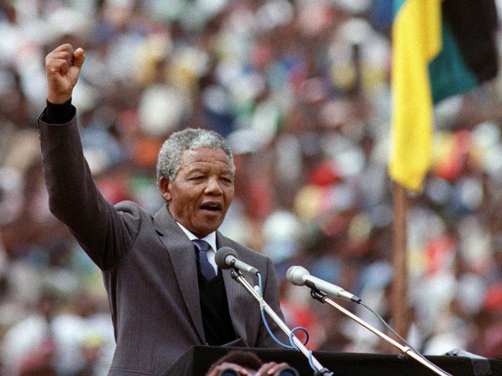Mandela en un discurso en Sudáfrica