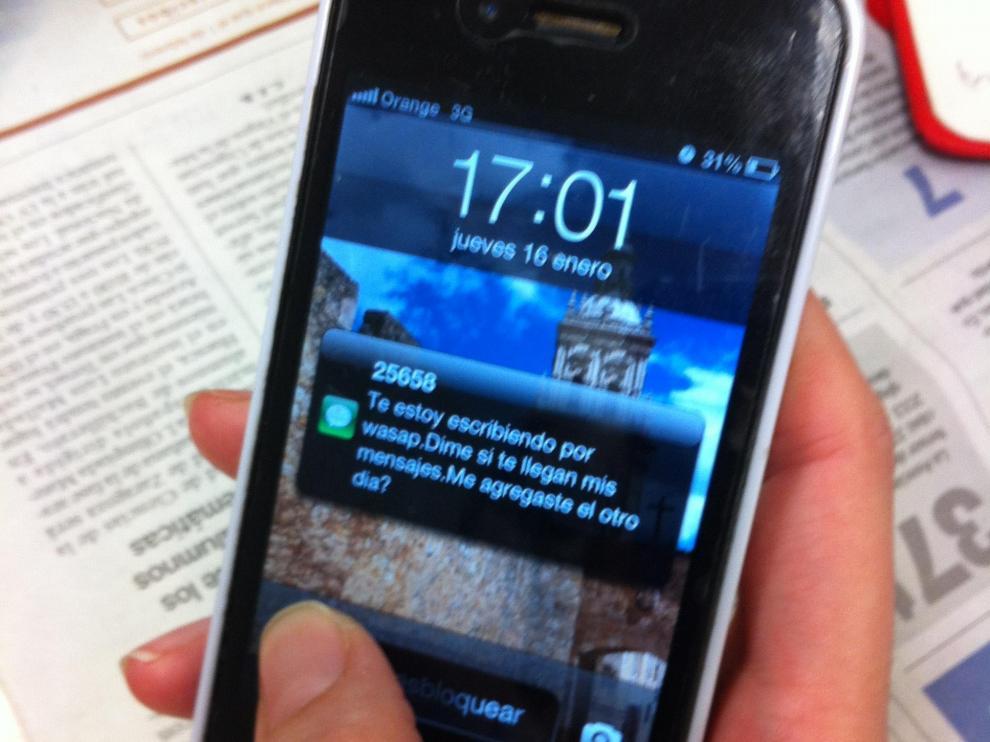Para evitar caer en esta estafa se ha de comprobar el número del remitente del SMS antes de contestar.