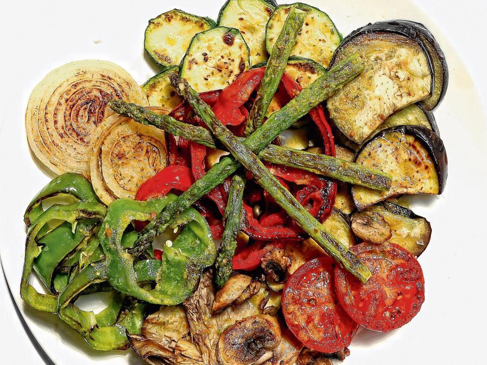 La parrillada de verdura es una forma rápida, fácil y saludable de preparar los productos de la huerta.