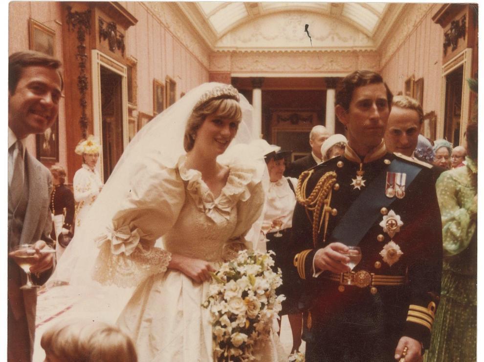Imagen de archivo de la boda de Lady Di y su esposo el príncipe Carlos.