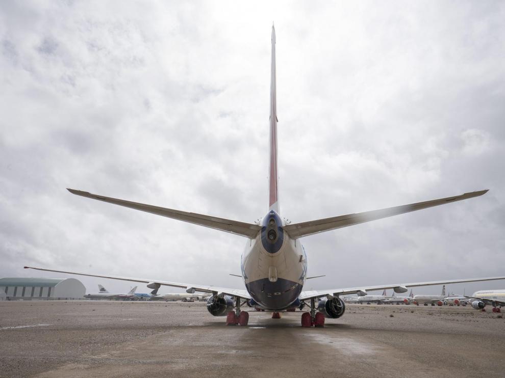 Aviones de la empresa Tarmac, estacionados en el aeropuerto de Teruel