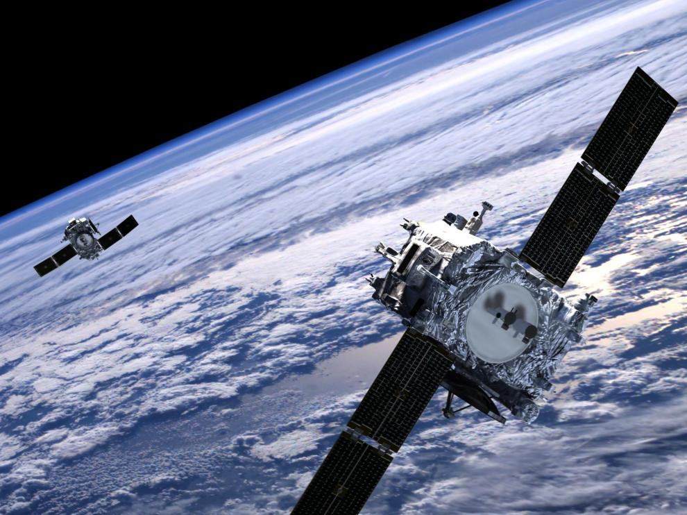 Un satélite en órbita sobre la Tierra.