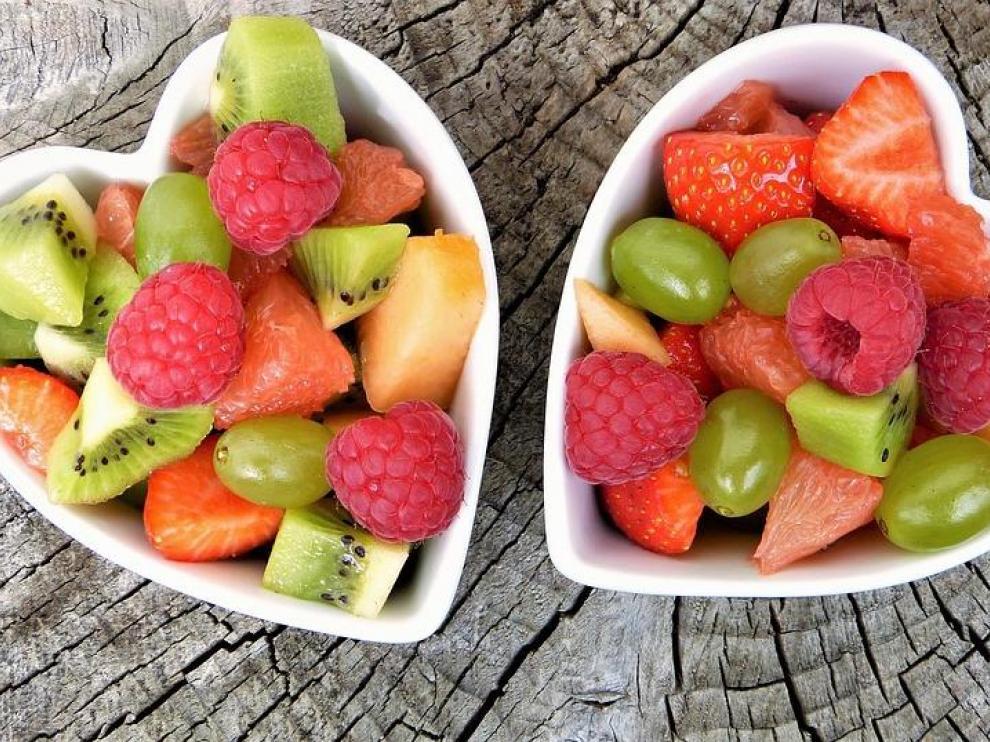 La fruta es un alimento fundamental si quieres comer sano.
