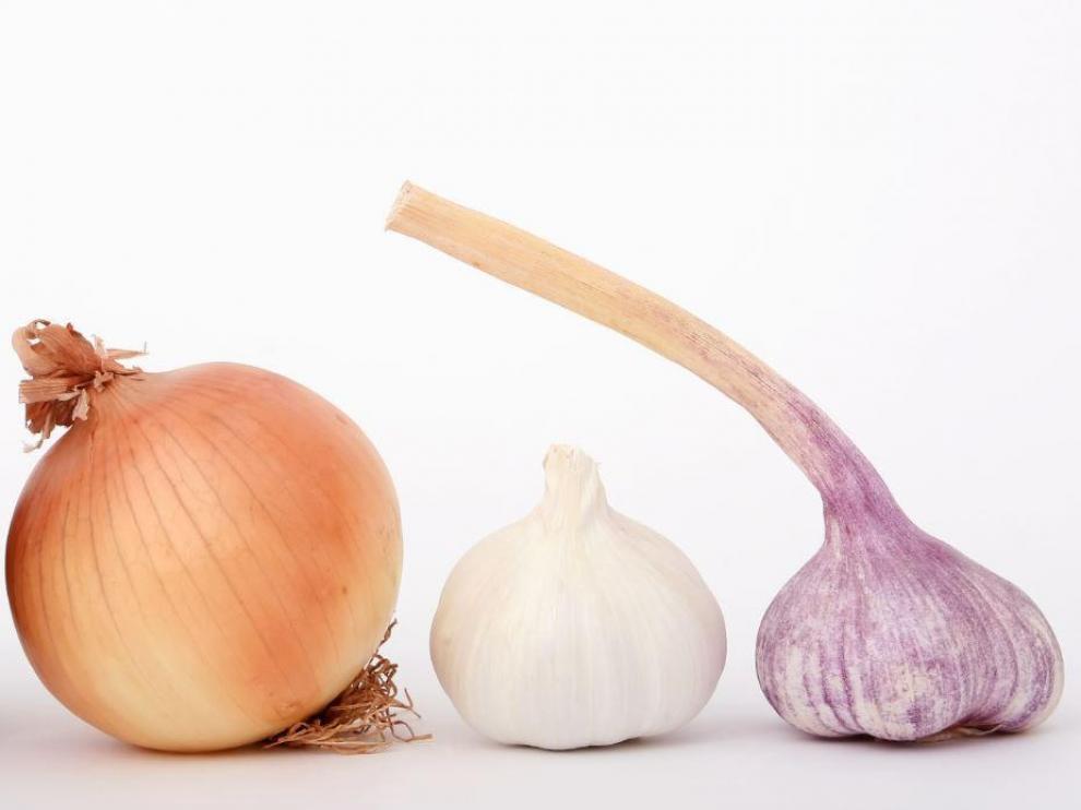La cebolla y el ajo tienen propiedades antivirales.