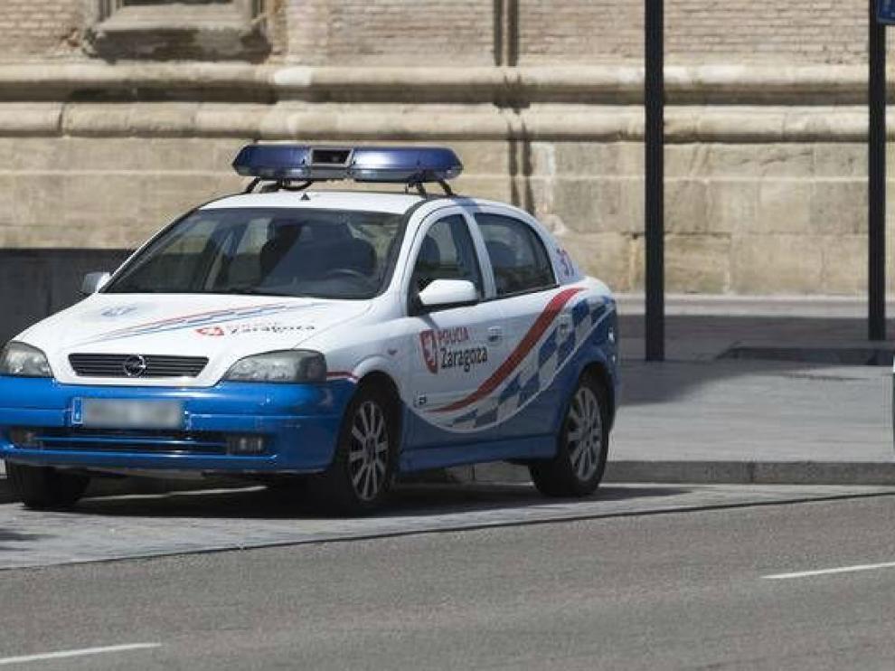Vehículo de la Policía Local de Zaragoza.