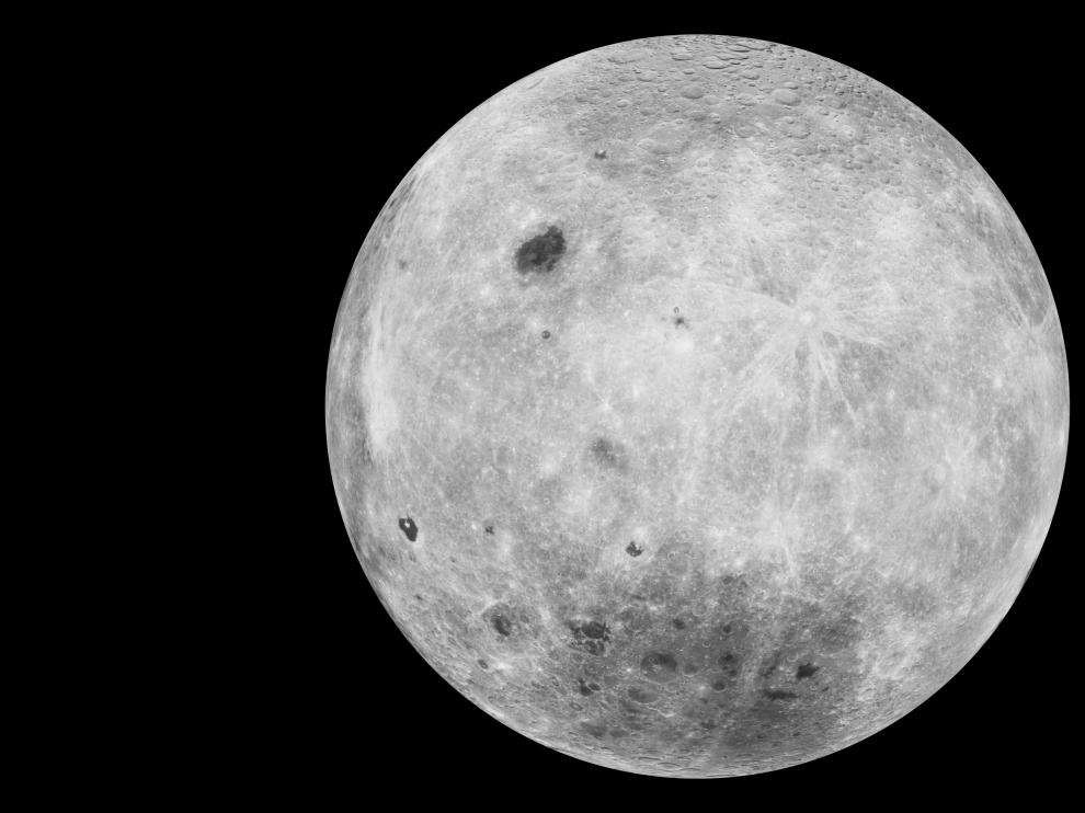 La mujer sostiene que Luis Armstrong, amigo de sus padres, le obsequió con una muestra de polvo lunar cuando tenía 10 años.