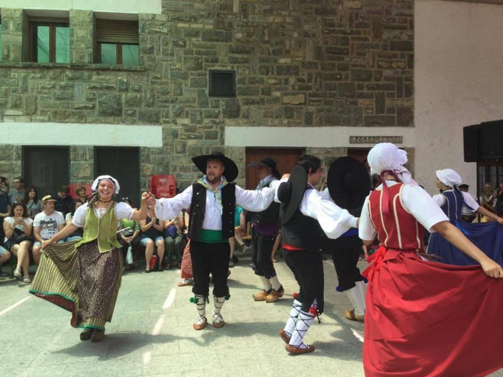 Un momento del baile de la Colla Val d'Arán