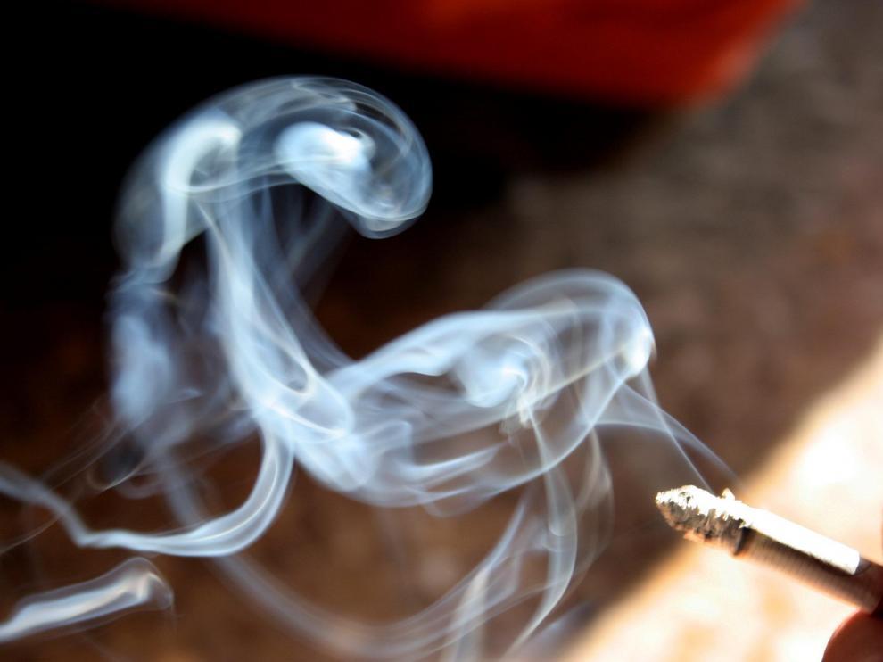 El tabaco está presente en cuatro de cada diez tumores.