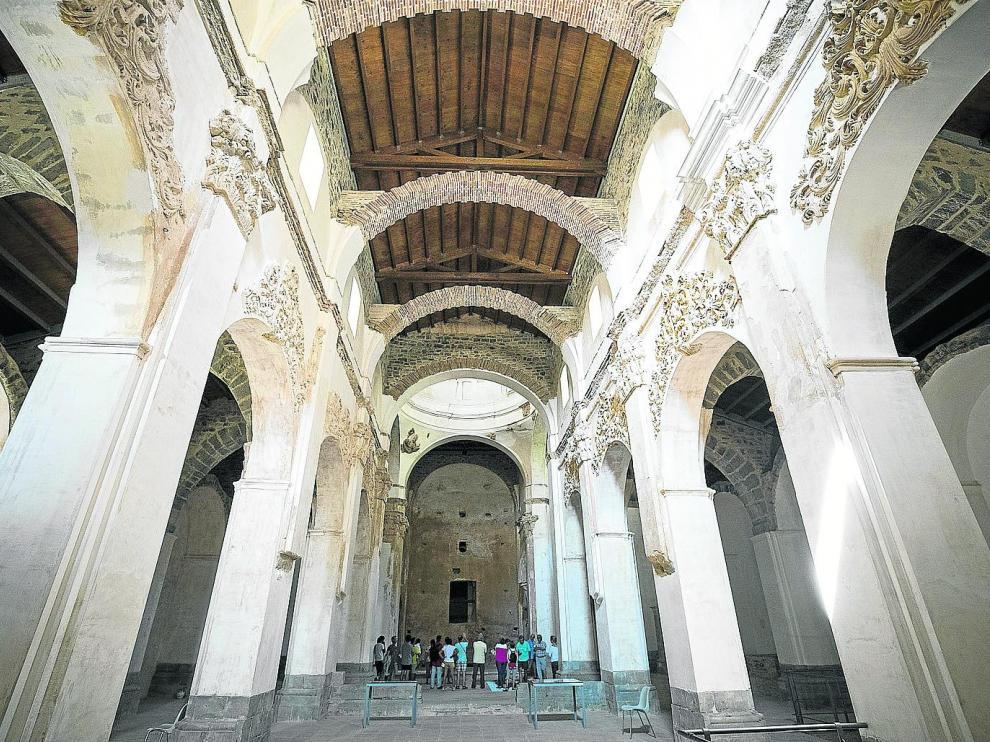 La iglesia de San Victorián, joya histórica del Monasterio, durante una de las visitas guiadas.