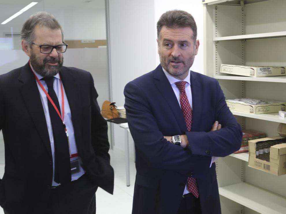 El presidente de la Audiencia, Santiago Serena (izquierda), junto al del TSJA, Manuel Bellido
