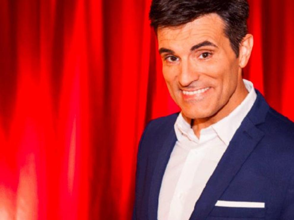 Luis Larrodera es presentador, showman, monologuista y ahora escritor de microrrelatos de amor.