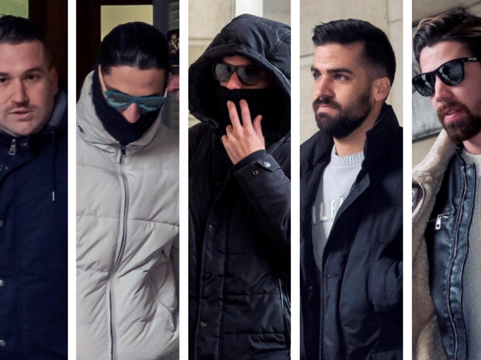 Los cinco miembros de La Manada a su llegada a la Audiencia de Sevilla en una imagen de archivo.