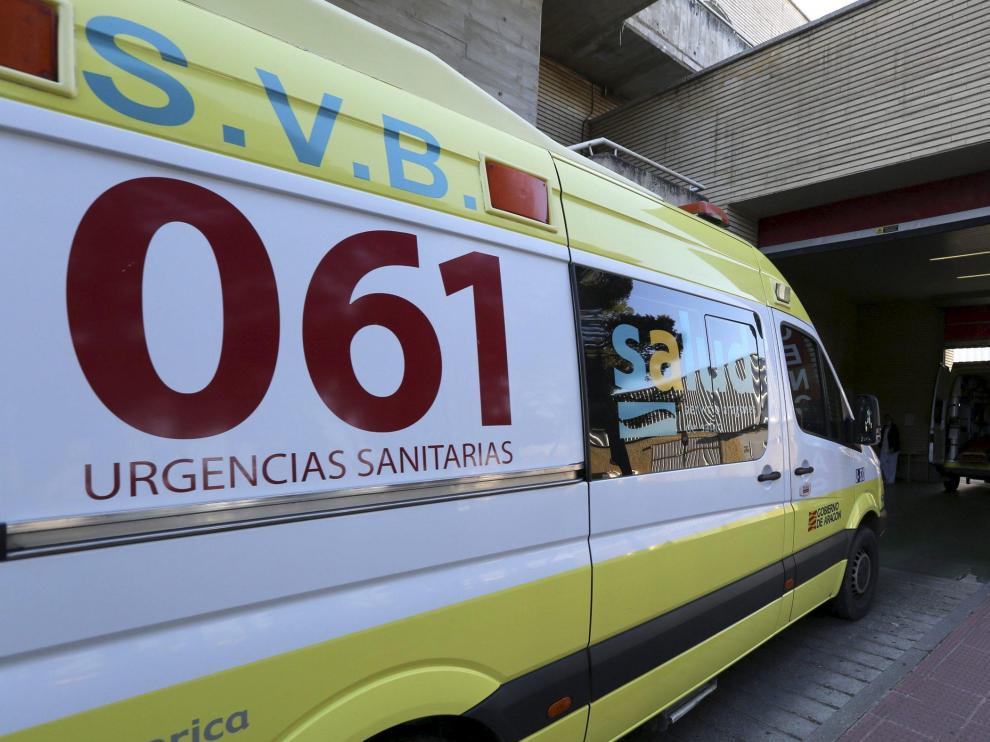 La pareja fue trasladada en ambulancia al hospital San Jorge.