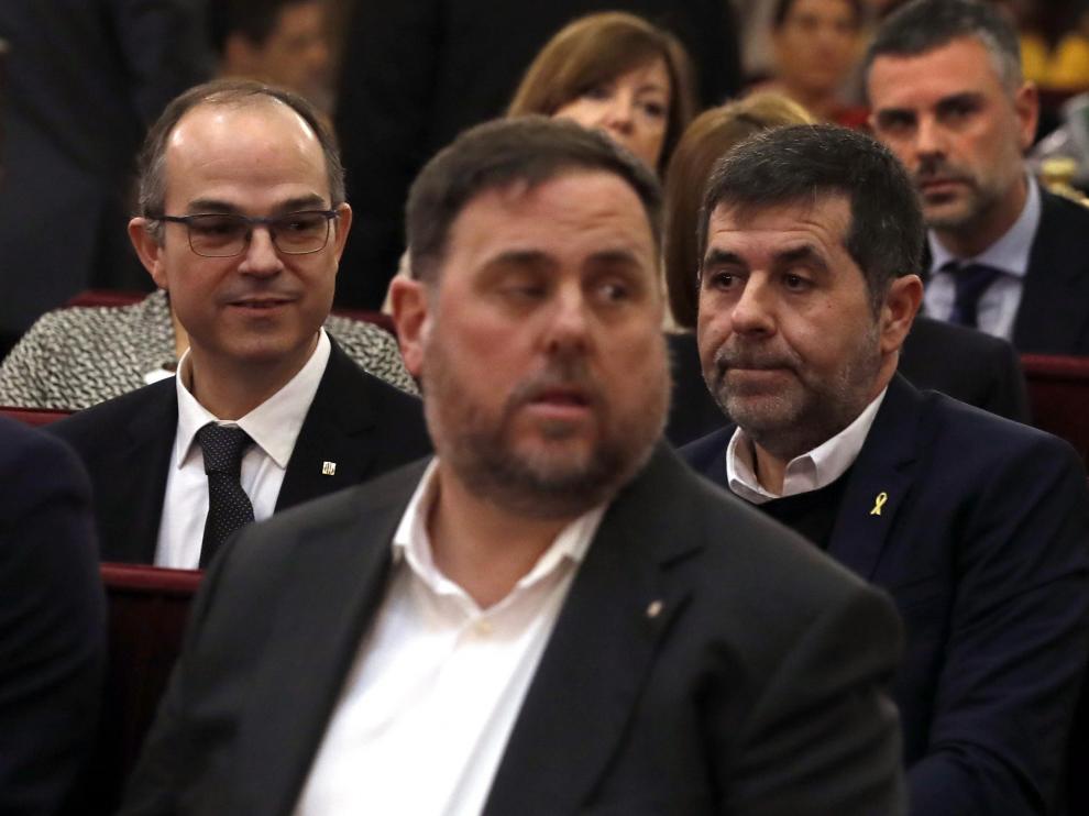 Oriol Junqueras en la primera fila del banquillo de los acusados.