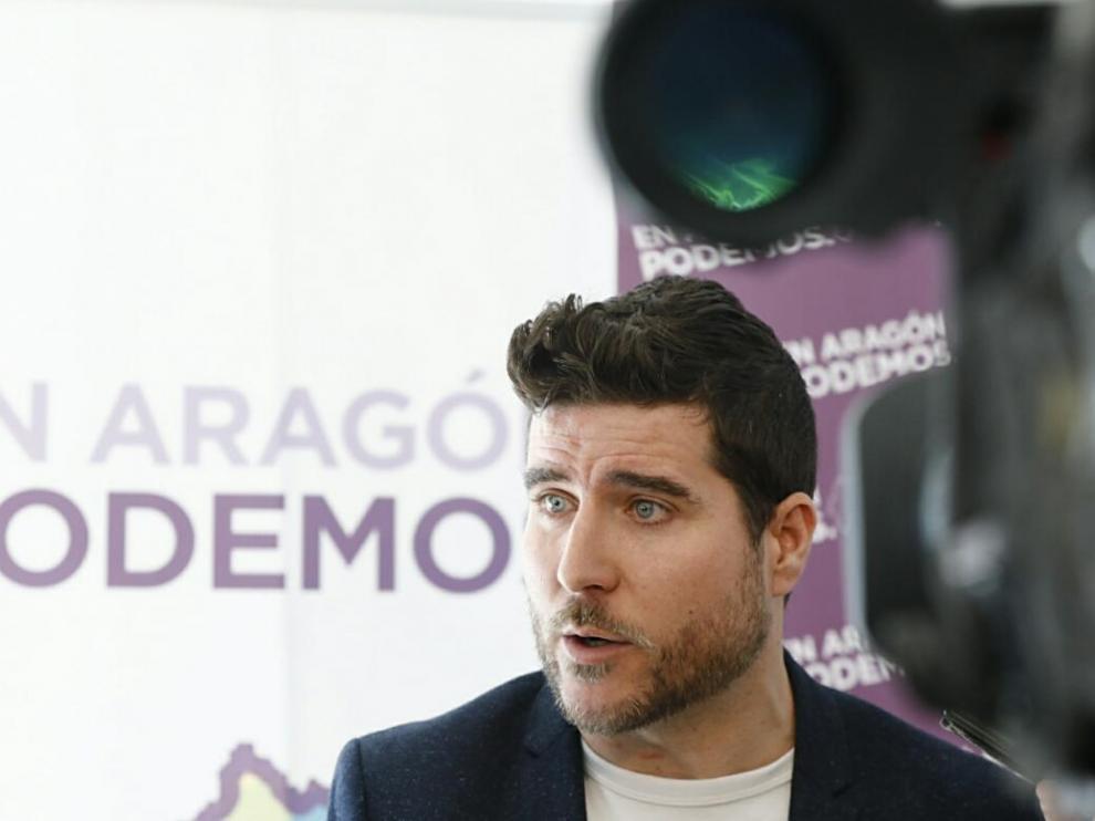 Nacho Escartín, líder de Podemos Aragón, en el Consejo Ciudadano que ha tomado la decisión de no concurrir a la primarias con ZeC
