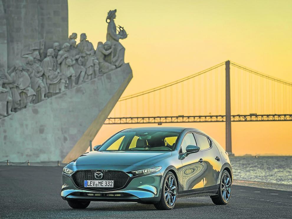 El Mazda3 proporciona un agrado de conducción sobresaliente, sin nada que envidiar a los tradicionalmente catalogados como prémium.