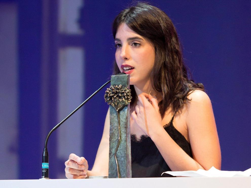 Marta Lallana, codirectora de 'Ojos Negros', recoge la Bizgana de Plata a la mejor película española en la sección Zonazine del Festival de Cine de Málaga.