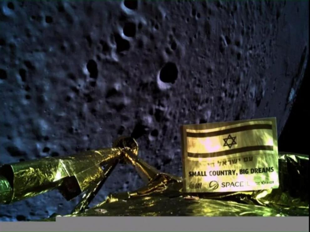 An image taken by Israel spacecraft, Beresheet, upon its landing on the moon, obtained by Reuters from Space IL on April 11, 2019. Courtesy Space IL/Handout via REUTERS ATTENTION EDITORS -THIS IMAGE HAS BEEN SUPPLIED BY A THIRD PARTY [[[REUTERS VOCENTO]]] ISRAEL-SPACE/