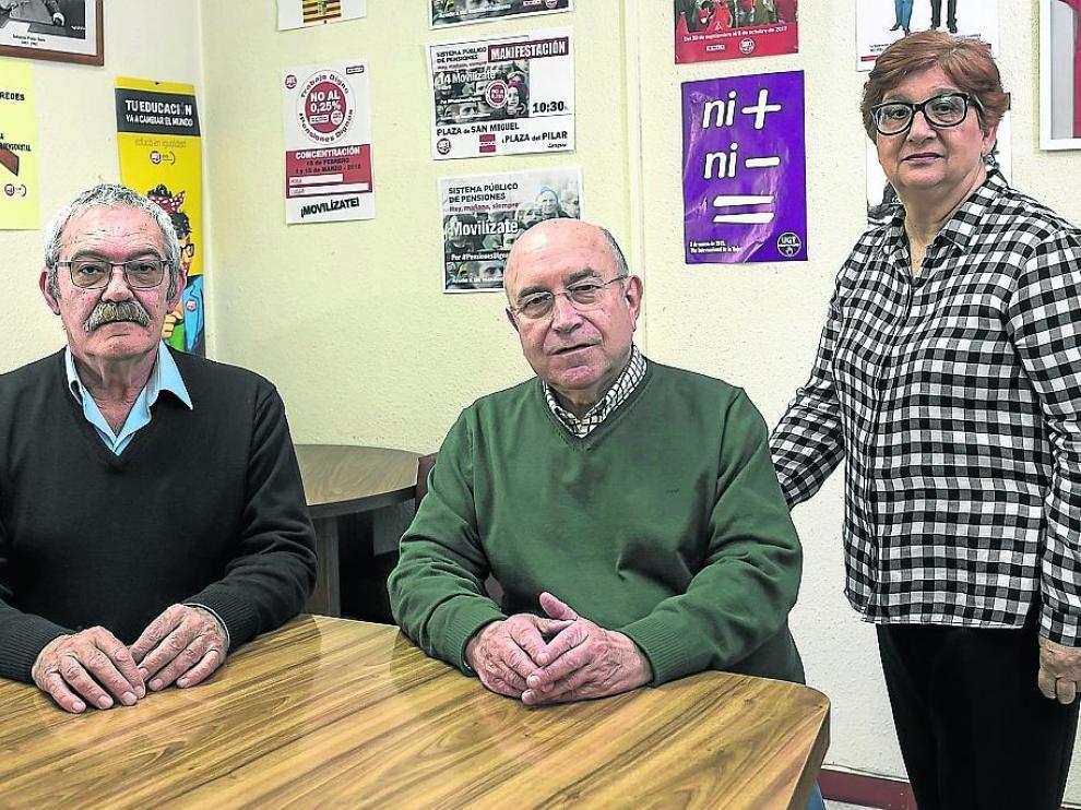 Tomás Yago, José Luis Romero y Mª Carmen Ledesma, de la Unión de Jubilados de UGT Aragón.