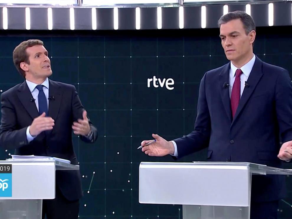 Los dos líderes debatieron con datos diferentes las políticas de impuestos y empleo.