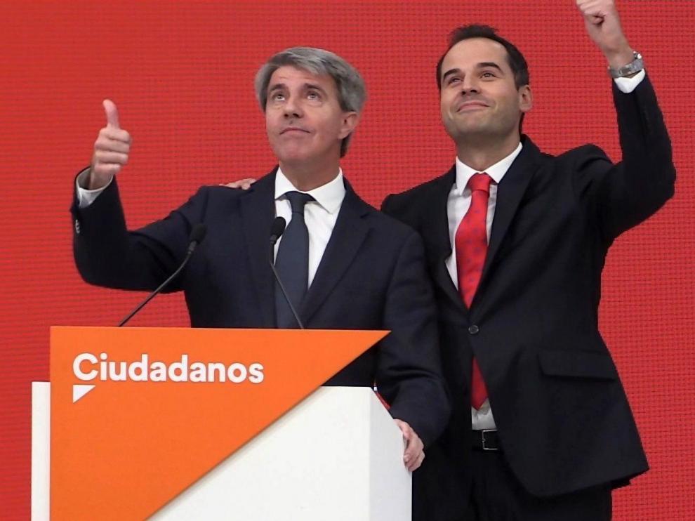 Ángel Garrido (izq.) junto a Ignacio Aguado en la presentación de la incorporación a Cs del expresidente madrileño.