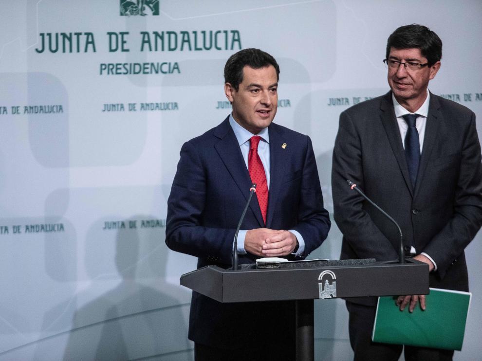 El presidente de la junta de Andalucía, Juanma Moreno, y el vicepresidente, Juan Marín.