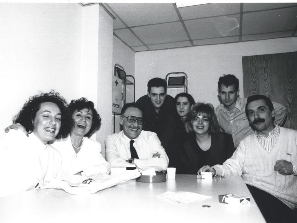 María José Cabrera junto a Paloma Tortajada y otros compañeros de Cope Zaragoza, cuando trabajó en la emisora.