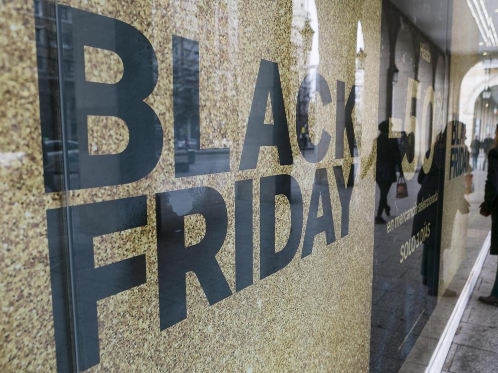 Este nuevo cambio en las aperturas de comercios en festivos quiere aprovechar el tirón del 'Black Friday'