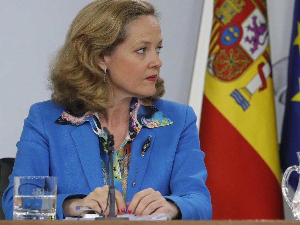 Nadia Calviño e Isabel Celaá en la rueda de prensa posterior al Consejo de Ministros.