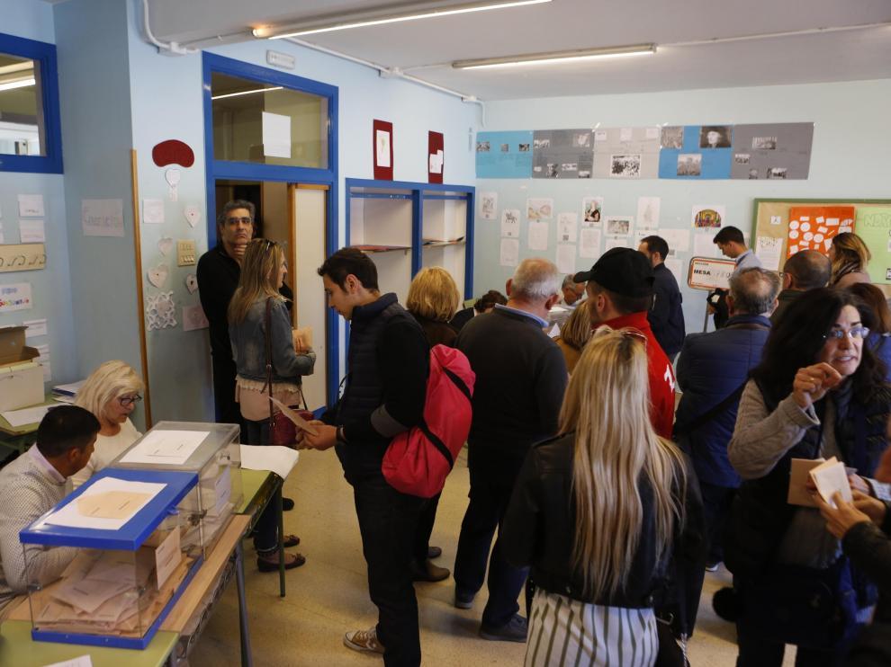 Votación en el IES Miguel de Molinos.