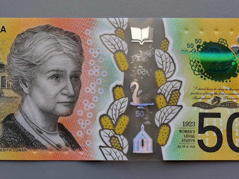 Los billetes australianos con el error ortográfico.