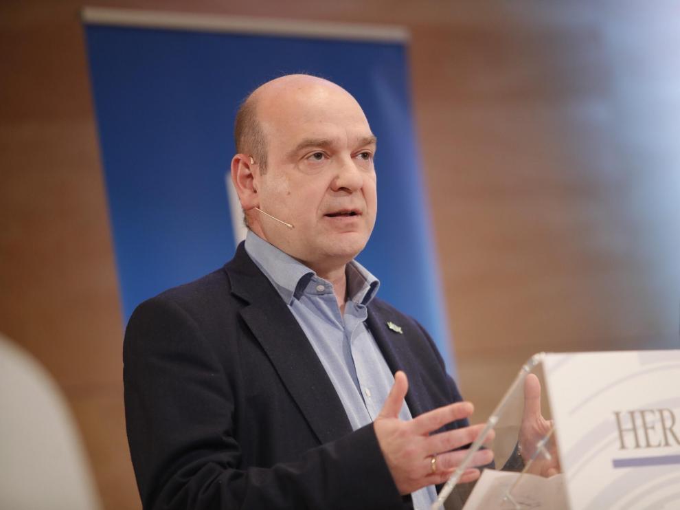 Santiago Morón durante el debate para la presidencia del Gobierno de Aragón.