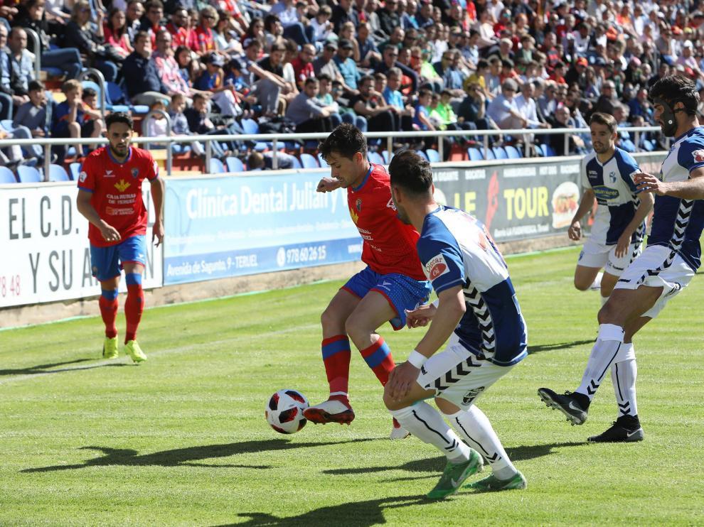 Imagen del partido disputado en Pinilla entre el CD Teruel ante el Ebro.