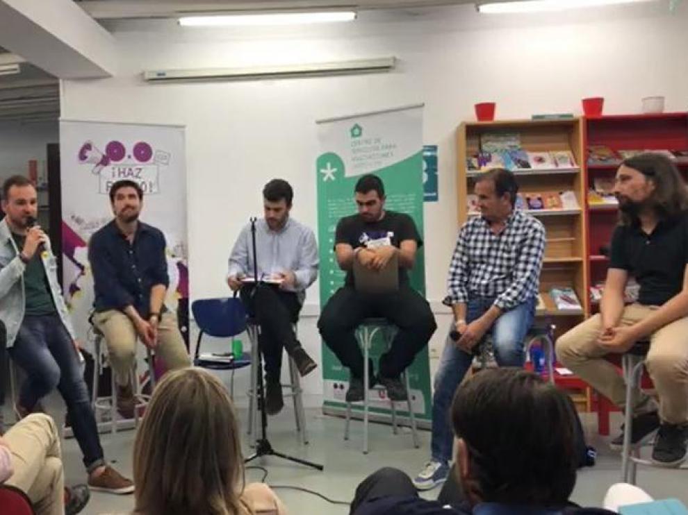 Imagen del debate que celebró el Consejo Juventud Zaragoza en la sede de la calle de San Lorenzo.