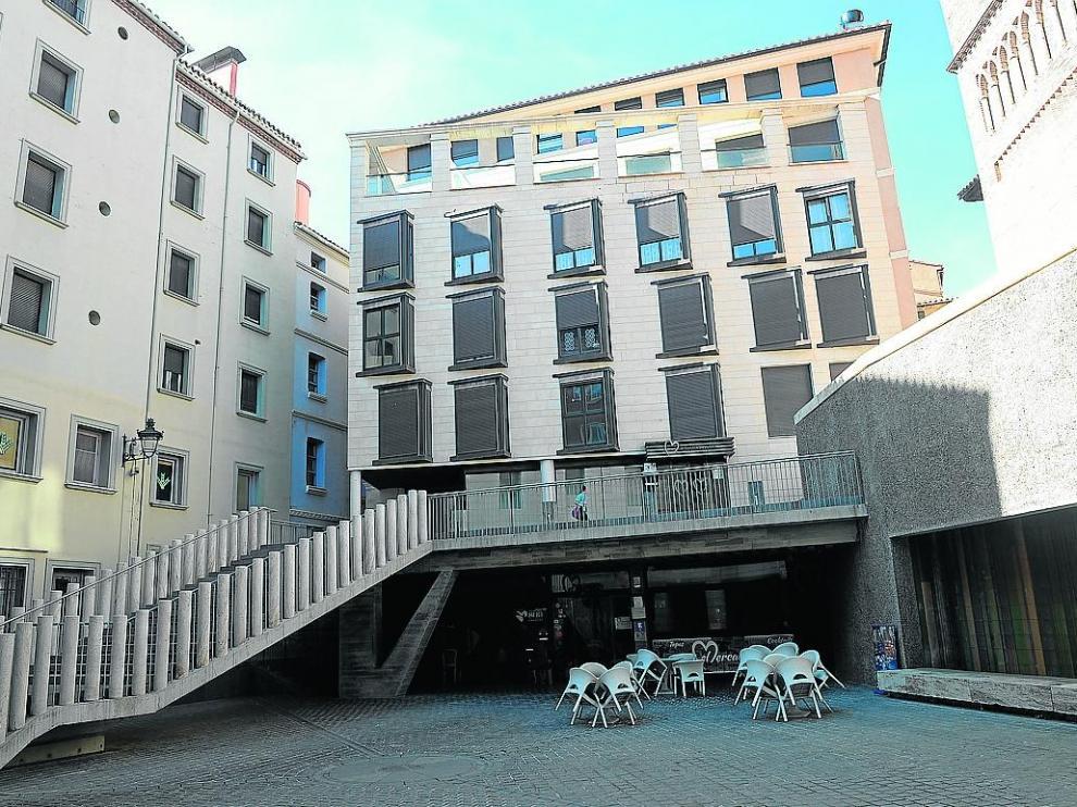 El Ayuntamiento indemnizará por no atajar los ruidos generados por un bar de la plaza de los Amantes.