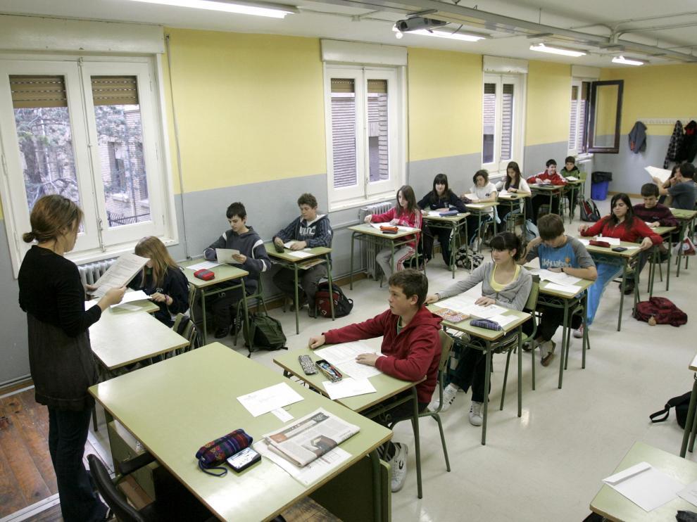 La huelga convocada por CGT, STEA y CC. OO. afecta a más de 14.500 docentes de Aragón.
