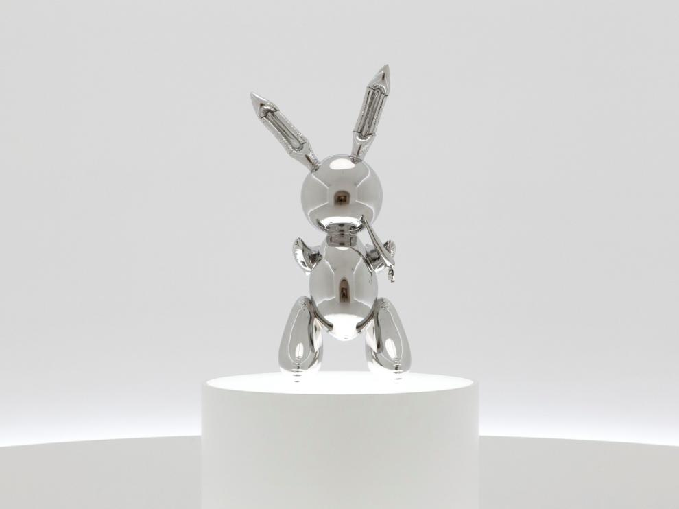 "A 1986 ""Rabbit"" sculpture by American pop artist Jeff Koons is on display in this image released by Christie's auction in New York, U.S., May 16, 2019.   Courtesy Christie's/Handout via REUTERS  ATTENTION EDITORS - THIS IMAGE HAS BEEN SUPPLIED BY A THIRD PARTY. NO RESALES. NO ARCHIVES. [[[REUTERS VOCENTO]]] ART-AUCTION/KOONS"