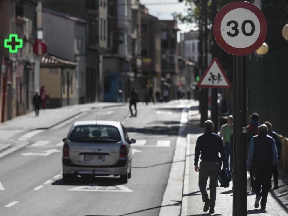 En la calle de Antonio Leyva ha aumentado la siniestralidad pese a estar limitada a 30 km/h desde su reforma.