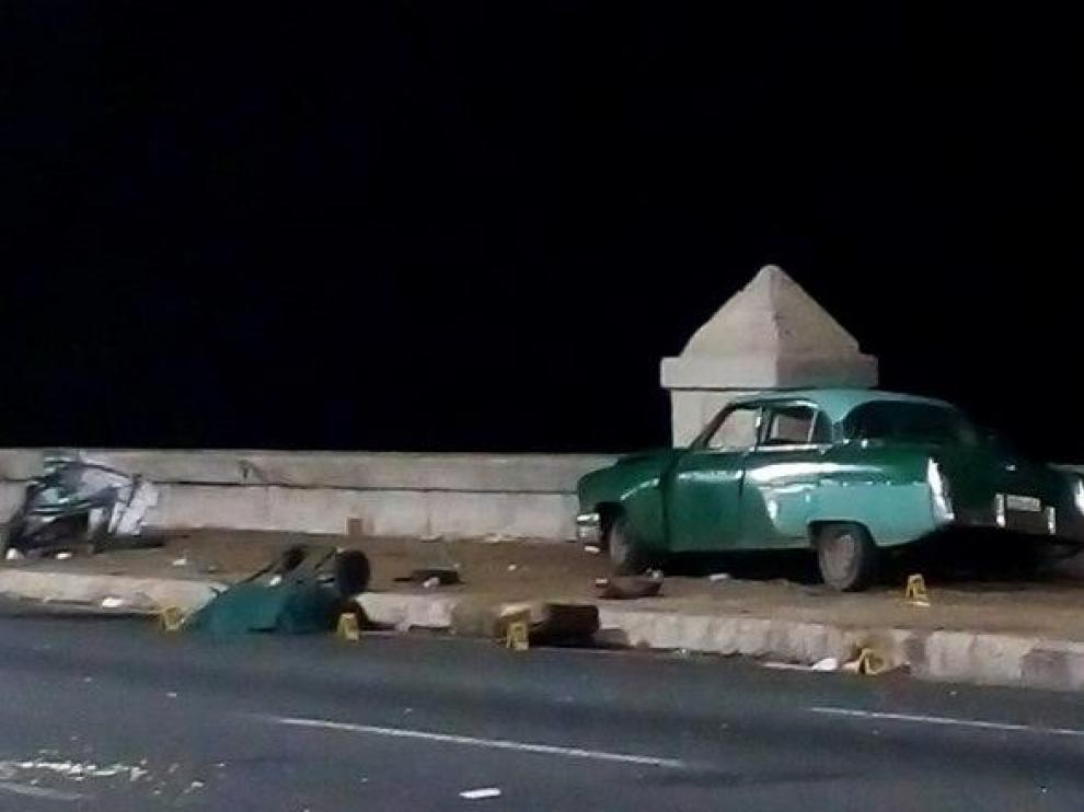 El automóvil, tras el accidente en la popular avenida Malecón de La Habana, donde atropelló a un grupo de transeúntes.