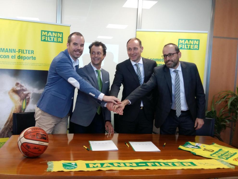 De izquierda a derecha: Chema Naval, Daniel Gimeno, Jorge Sala y José Ramón Martínez.