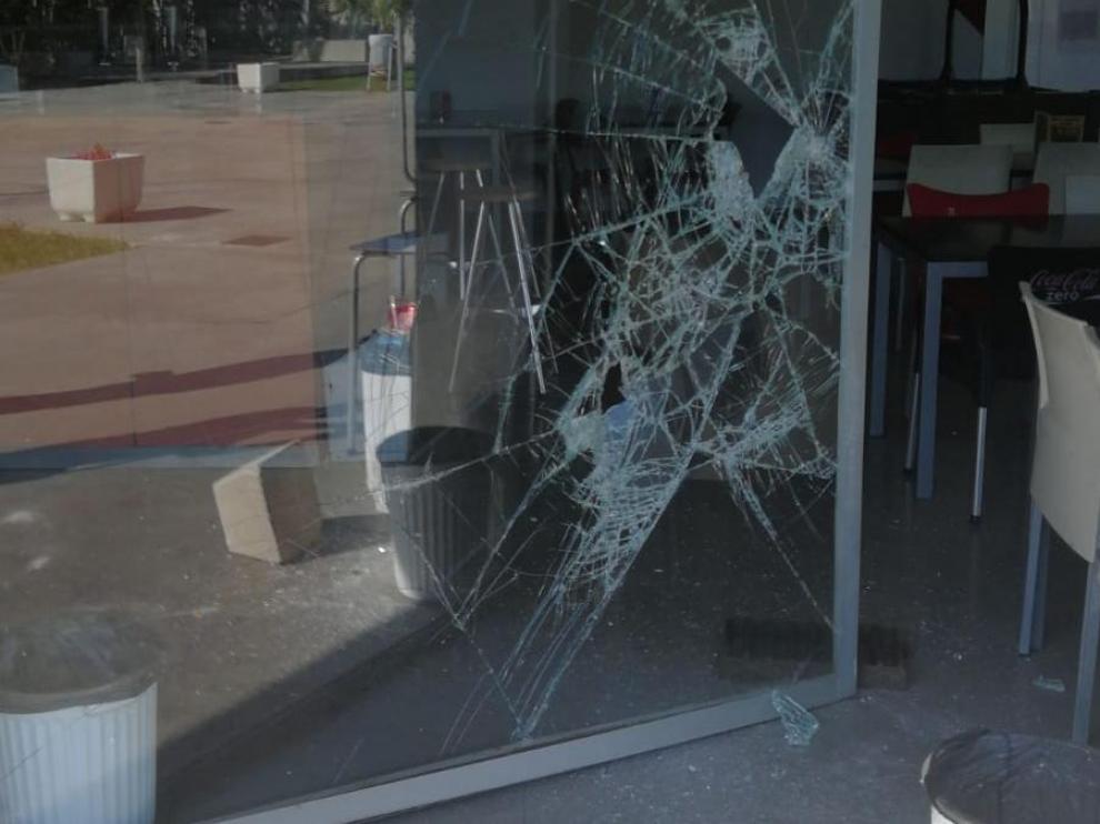 Imagen del último asalto a la cafetería del campo de fútbol La Camisera, del barrio Oliver.
