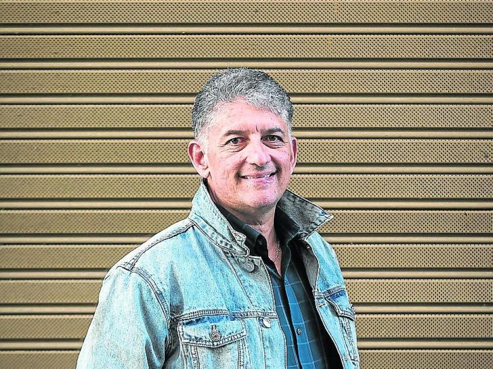 Luis Muñiz es estadounidense de origen puertorriqueño.