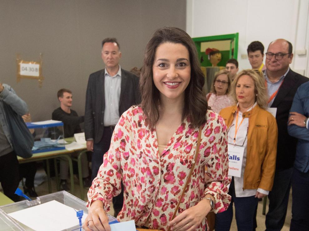 Arrimadas votando este domingo en las elecciones autonómicas y municipales.